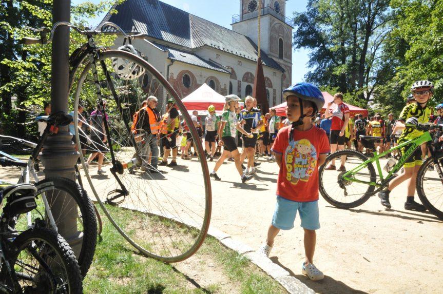Fotogalerie: Na kole dětem